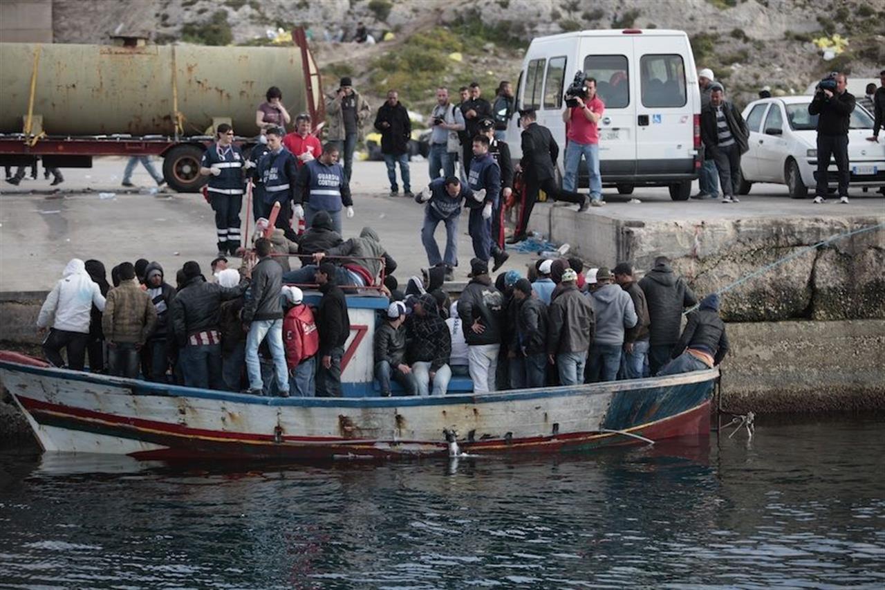 Migranti: mini sbarchi a Lampedusa, bloccati ventitrè tunisini