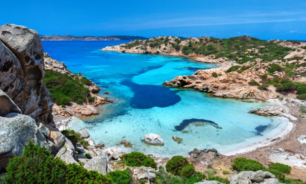 Migranti: sbarchi fantasma a Pantelleria, fermato scafista tunisino