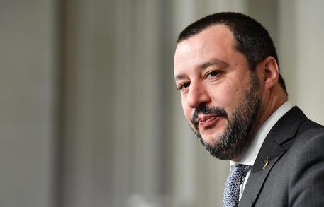 Migranti: stop all'hotspot allo Zen di Palermo, la Regione vedrà Salvini