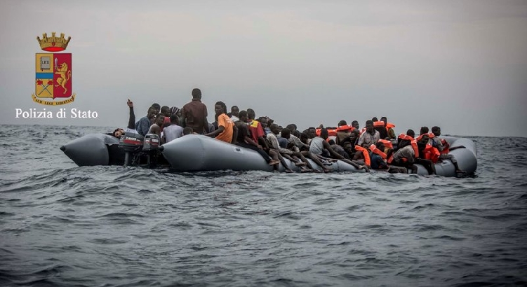 Migranti: un morto durante i soccorsi, fermati 2 scafisti a Lampedusa