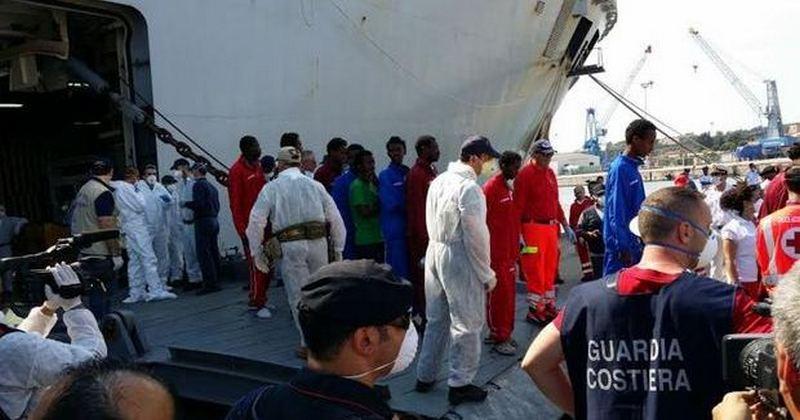 Migranti, 402 soccorsi nel Canale di Sicilia e portati a Brindisi