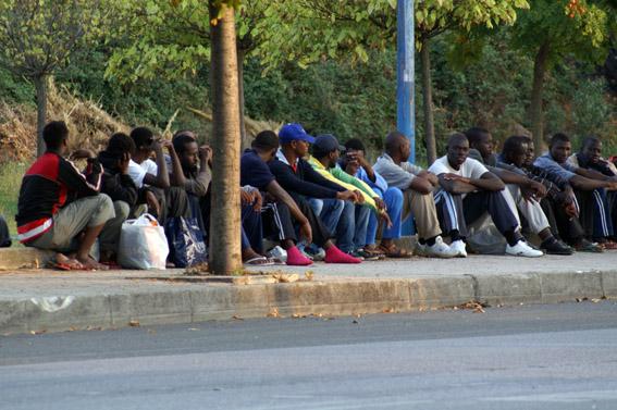 Migranti insultati e picchiati a Partinico mentre aspettano il bus