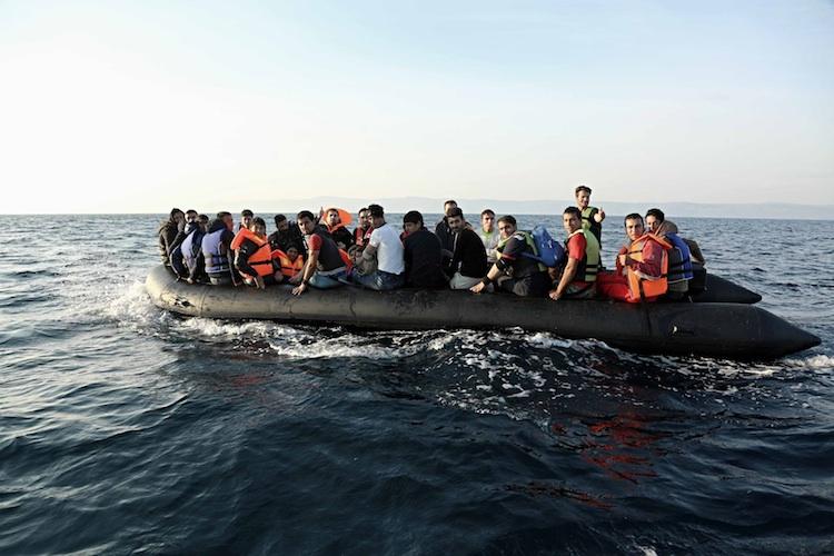Nel Canale di Sicilia si continua a morire: in 15 sepolti dal mare