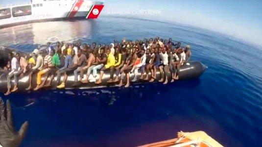 Migranti, 3000 persone tratte in salvo nel Canale di Sicilia