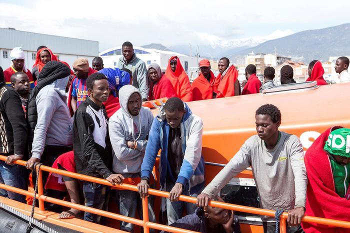Salvati 476 migranti nel Mar Mediterraneo