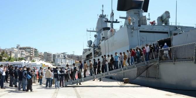 Migranti: a Reggio Calabria una nave con 232 persone a bordo