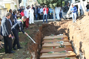 Altre cinque salme di migranti verranno sepolti nel cimitero di Rosolini