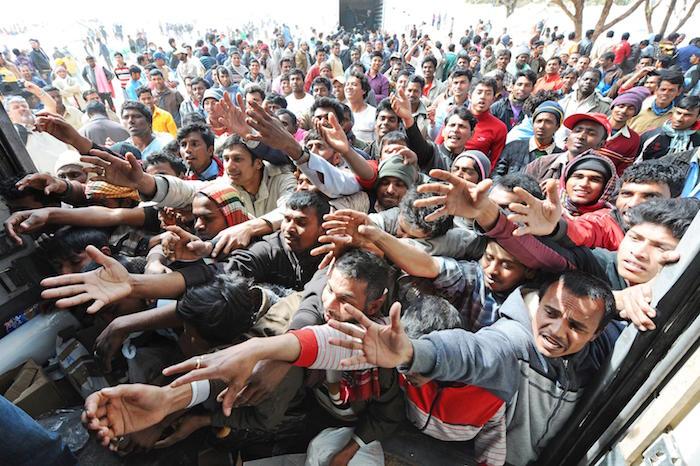 Migranti, muore in mare per denutrizione: sepolto a Siracusa