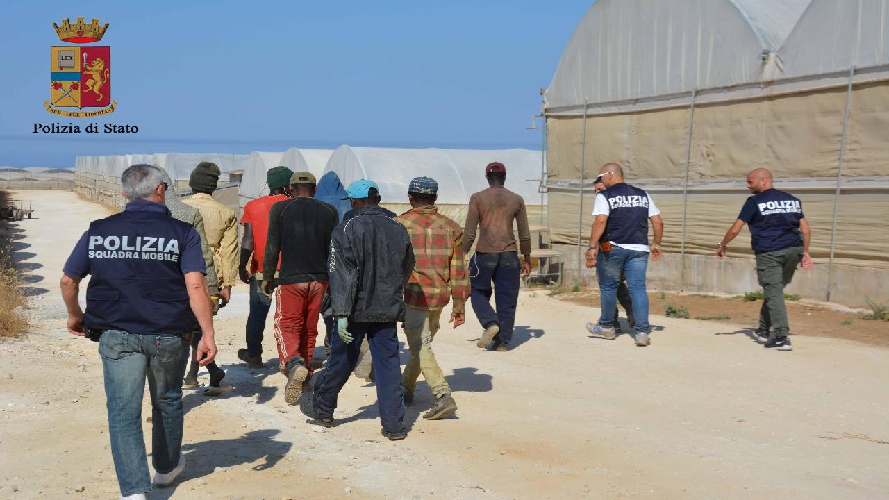 Ribera, tredici migranti sbarcano nella spiaggia di Seccagrande
