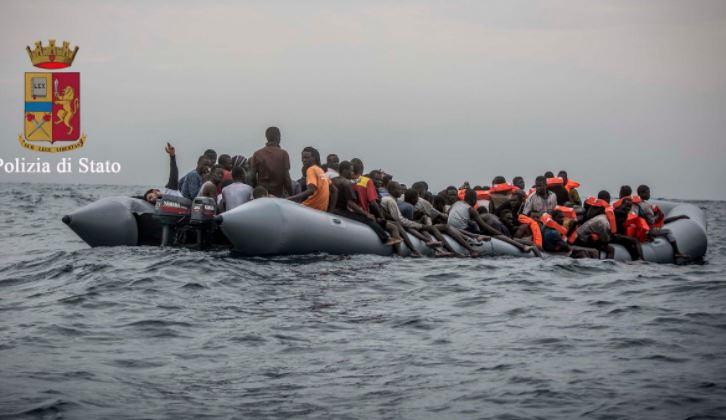 Migranti: operazione Bari, la polizia arresta due ricercati somali