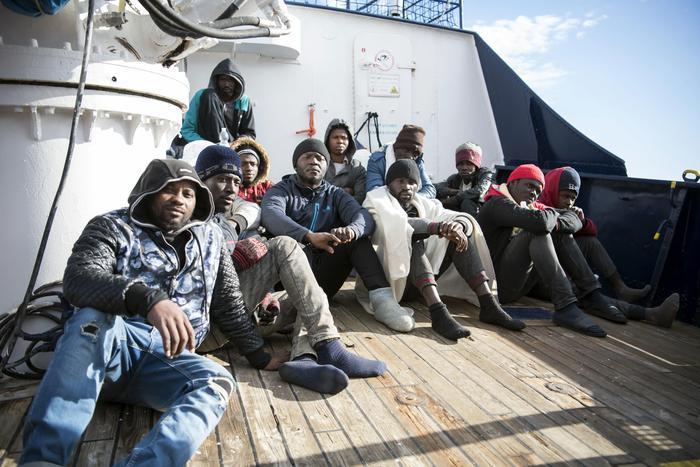 Sui 49 migranti braccio di ferro tra Conte e Salvini