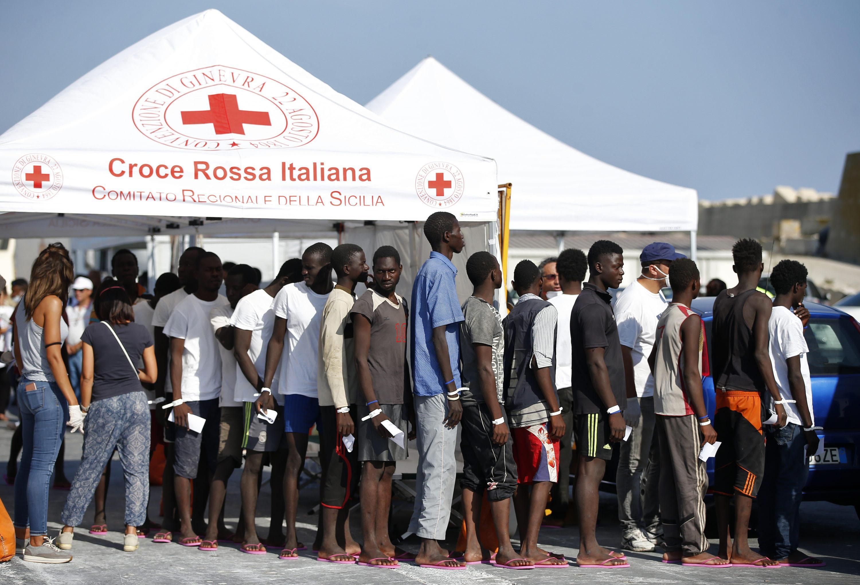 Migranti, il report del Viminale: dall'inizio dell'anno sbarcati in 17.604