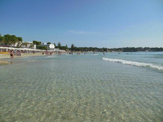 Migranti, in 15 sbarcano sulla spiaggia di Fontane Bianche