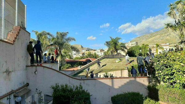 Due migranti minorenni arrestati a Siculiana per rapine a connazionali