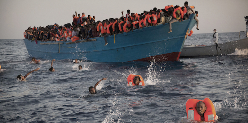 Salvati 730 migranti al largo della Libia in sette operazioni