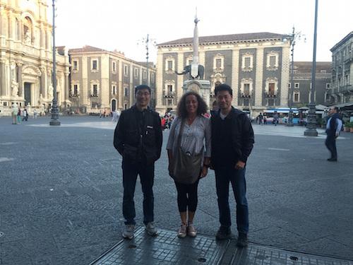 Migranti: troupe giappopnese della Tbs a Catania per un servizio televisivo