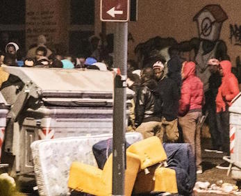 Torino, bombe carte all'ex villaggio olimpico: migranti in strada
