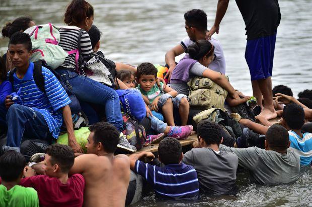 """Migranti, una mediatrice avolese: """"Traduco torture e supplizi"""""""