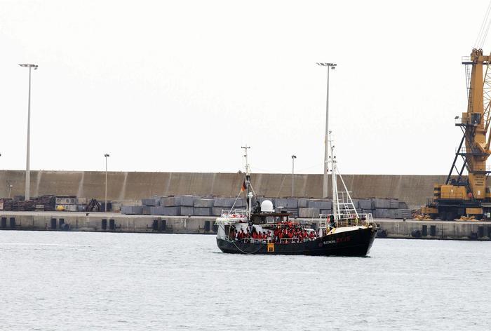 Non c'è ancora il nuovo governo, ma in Sicilia ricomincia l'esodo dei migranti: 2 sbarchi a Pozzallo e 3 a Lampedusa