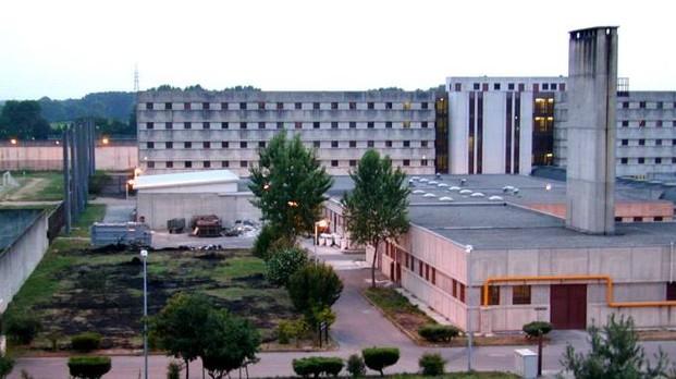 Topi nel carcere di Opera, protesta dei detenuti