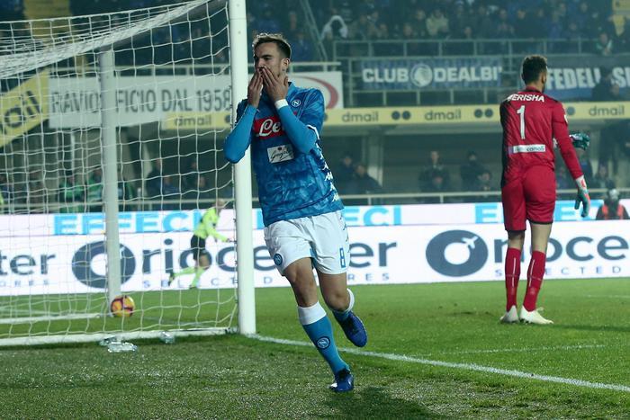 Il Napoli vince sul campodell'Atalanta: Milik tiene ancora in corsa gli azzurri