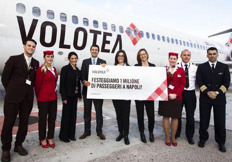 Napoli, Volotea premia la milionesima passeggera: un anno di voli gratuiti