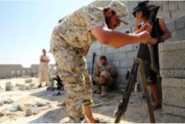 Libia, la milizia avanza su Sirte: l'Isis risponde con i kamikaze