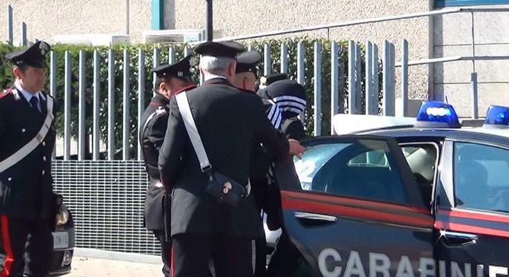 Minacce di morte ai parenti per soldi, arrestato nel Palermitano