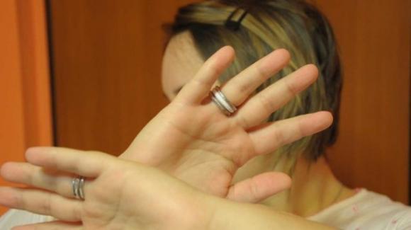Aci Catena, minaccia di morte la madre: fermato dal marito della donna