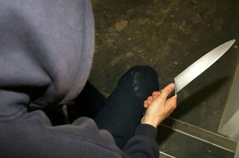 Minaccia con un coltello una ragazzina, migrante arrestato a Foggia