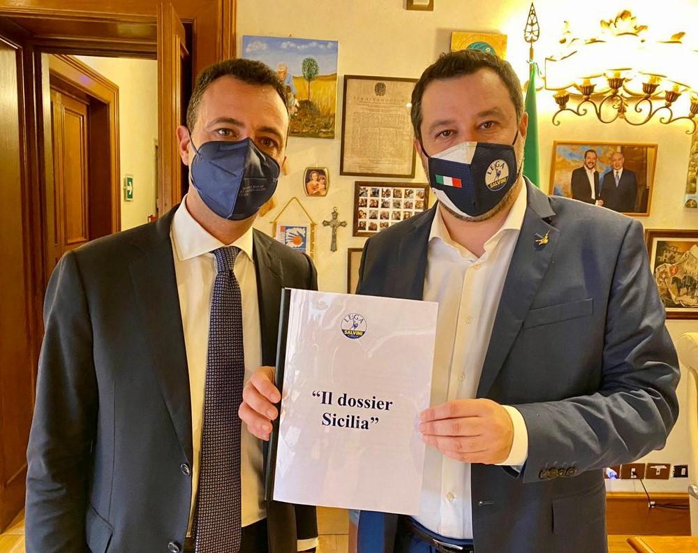 """Lega, consegnato a Salvini dal segretario regionale Nino Minardo """"Il dossier Sicilia"""""""