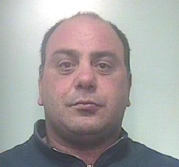 Ruba 4 mila litri di carburante a Lentini, arrestato un catanese