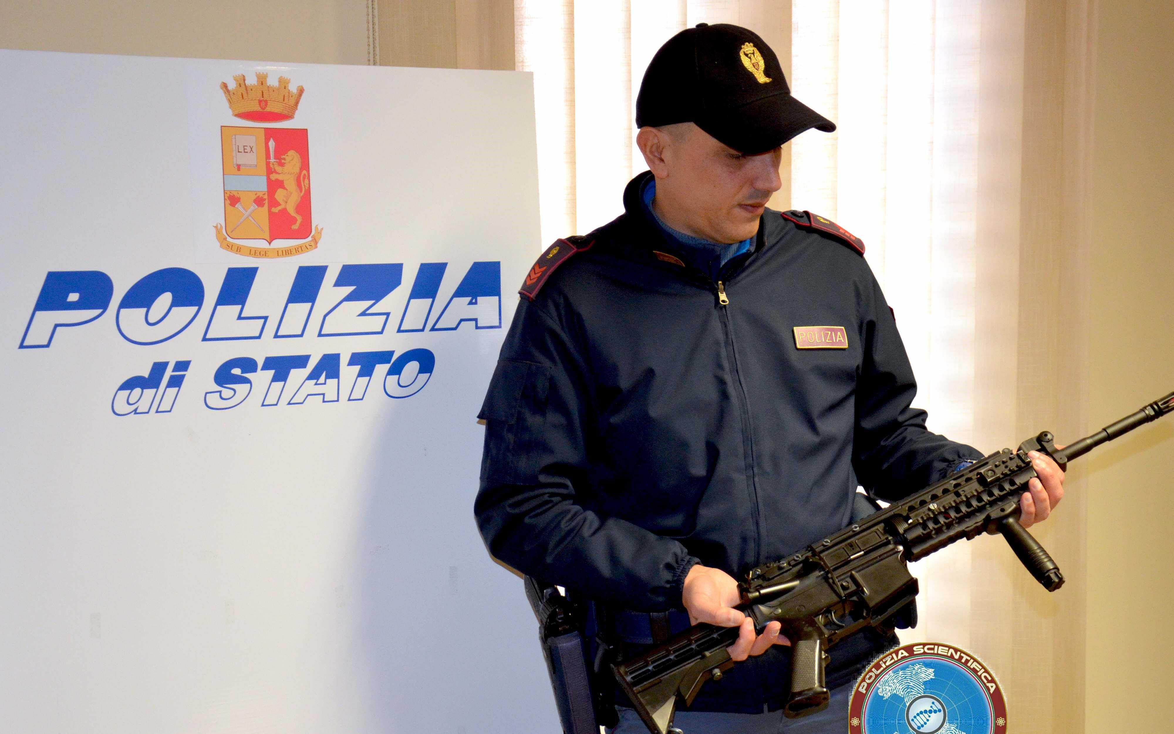 Comiso, un mitra giocattolo mette in allarme cittadini e forze dell'ordine