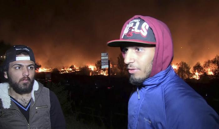 Incendio devasta un campo migranti nel nord della Francia: feriti