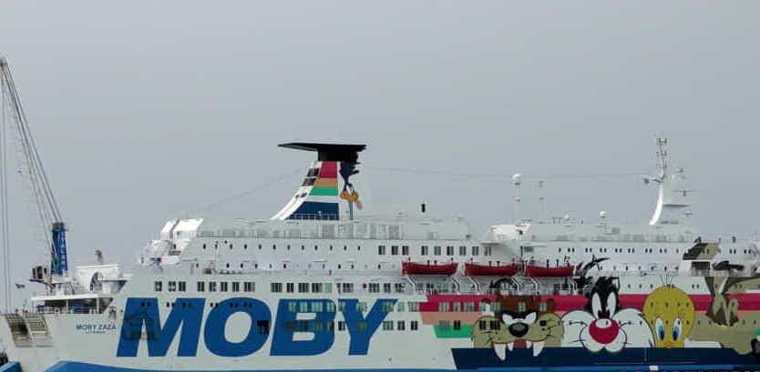 Ventotto migranti positivi al covid-19 sulla Moby Zazà a Porto Empedocle