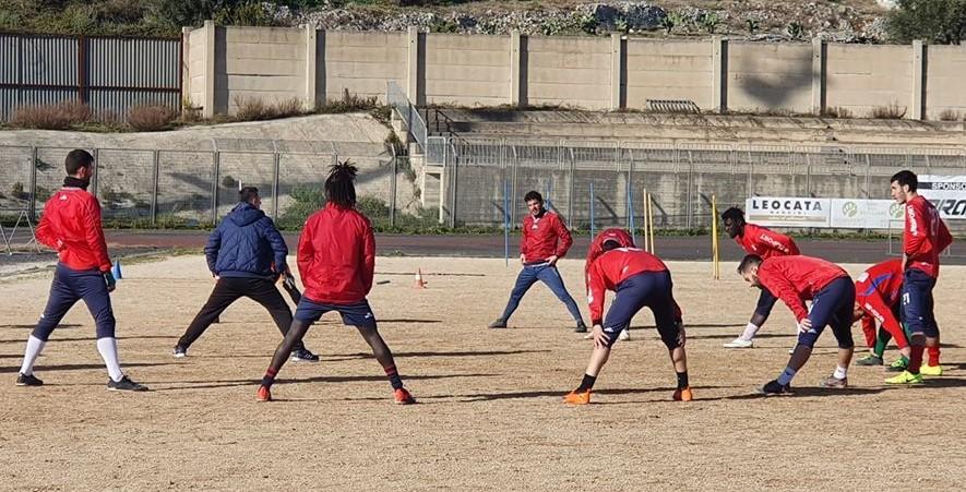 Calcio, Promozione: il Modica ospite del Caltagirone per una sfida in chiave play off