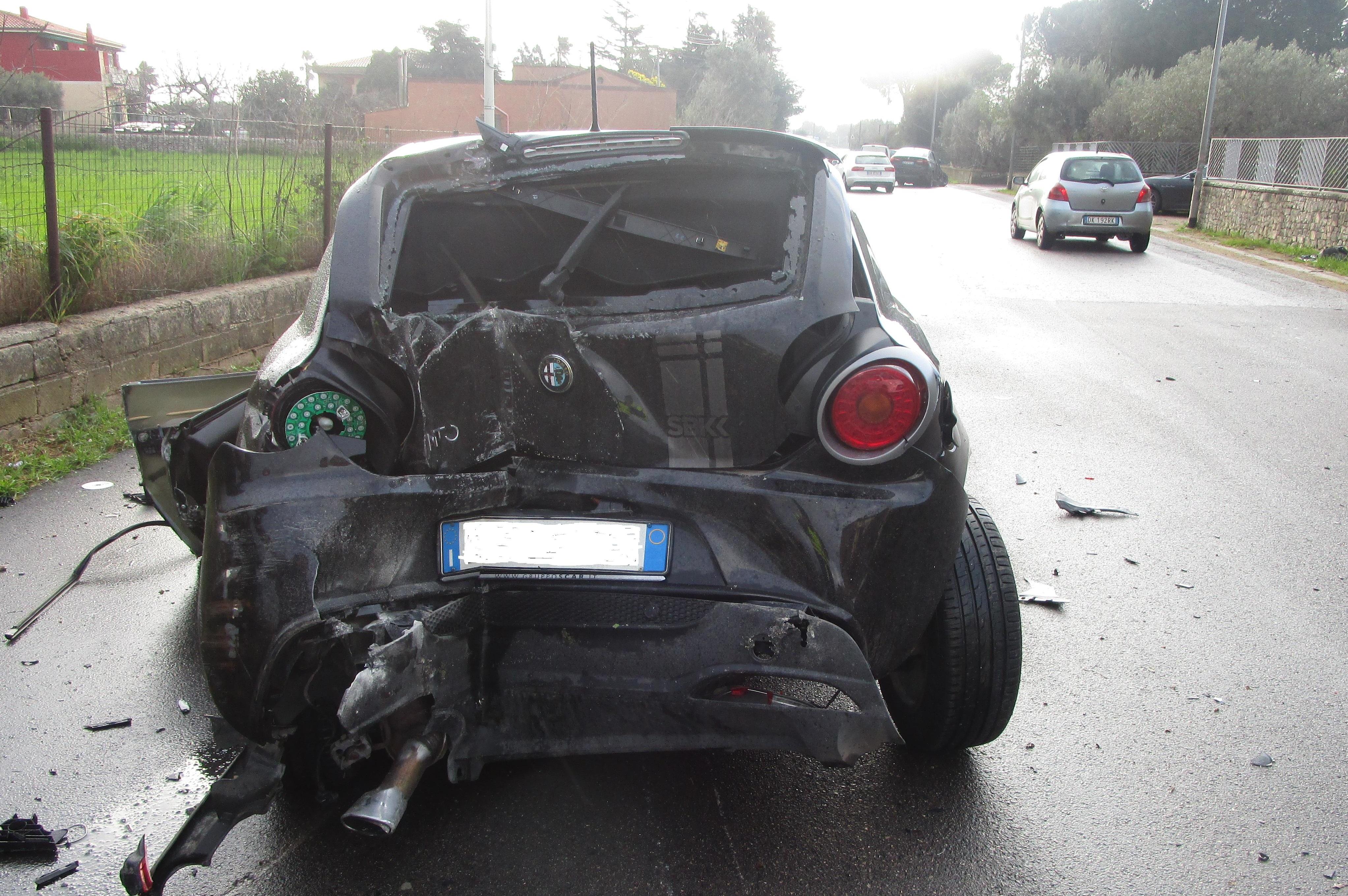 Incidente stradale sulla Modica Mare: due conducenti in ospedale