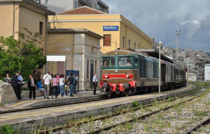 Trasporti, accordo tra Regione e Trenitalia per avvio sconti sui biglietti