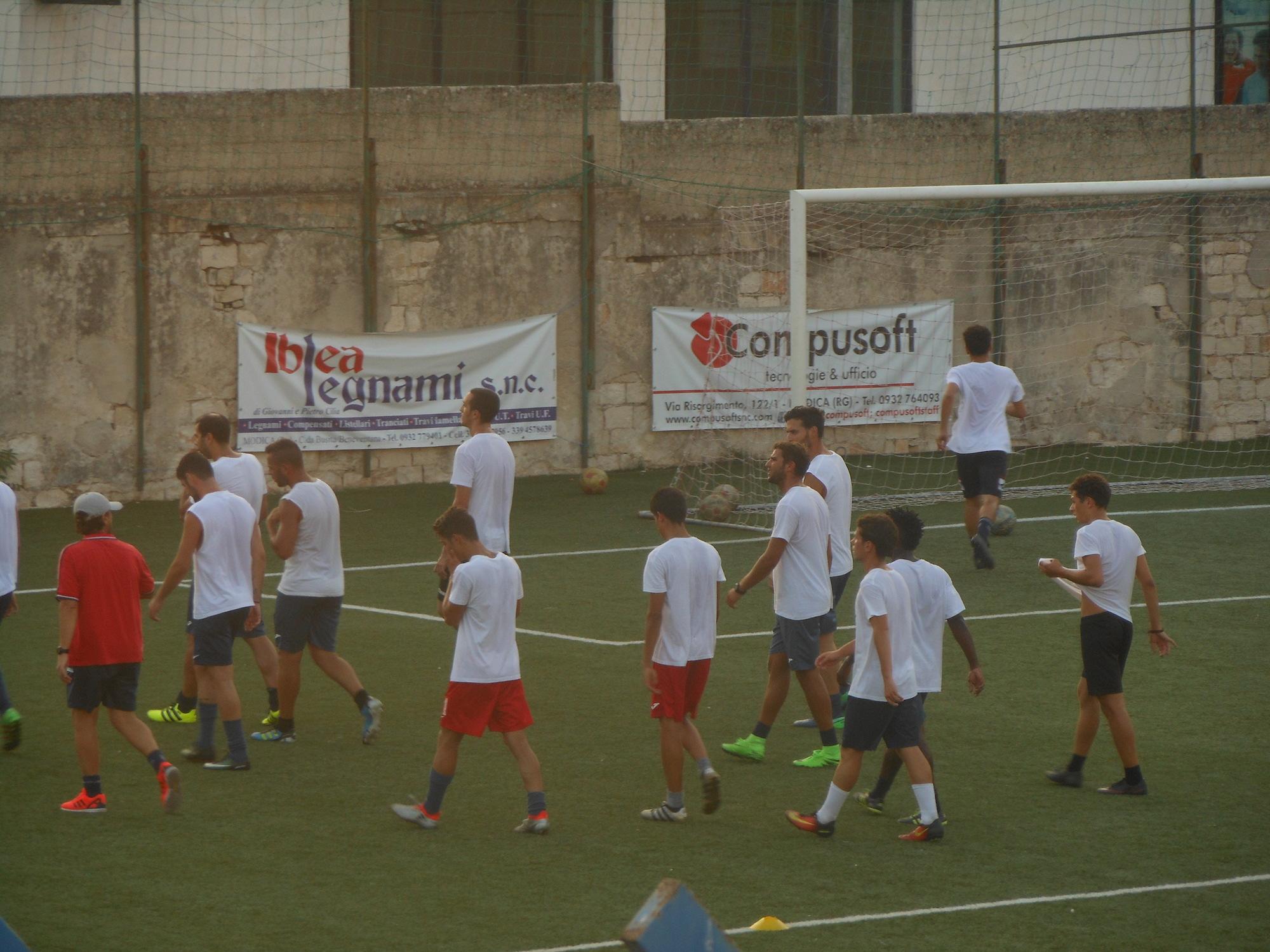 Modica, prima dell'esordio in Coppa Italia amichevole con il Rosolini