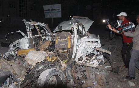 Mogadiscio, bomba davanti a un ristorante sul mare: 7 morti