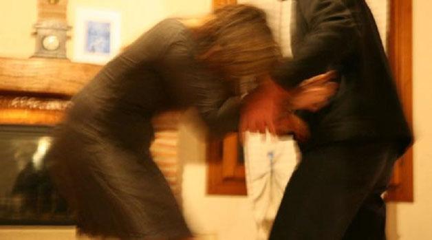 Catania, sotto l'effetto della cocaina picchia la moglie: finisce in carcere