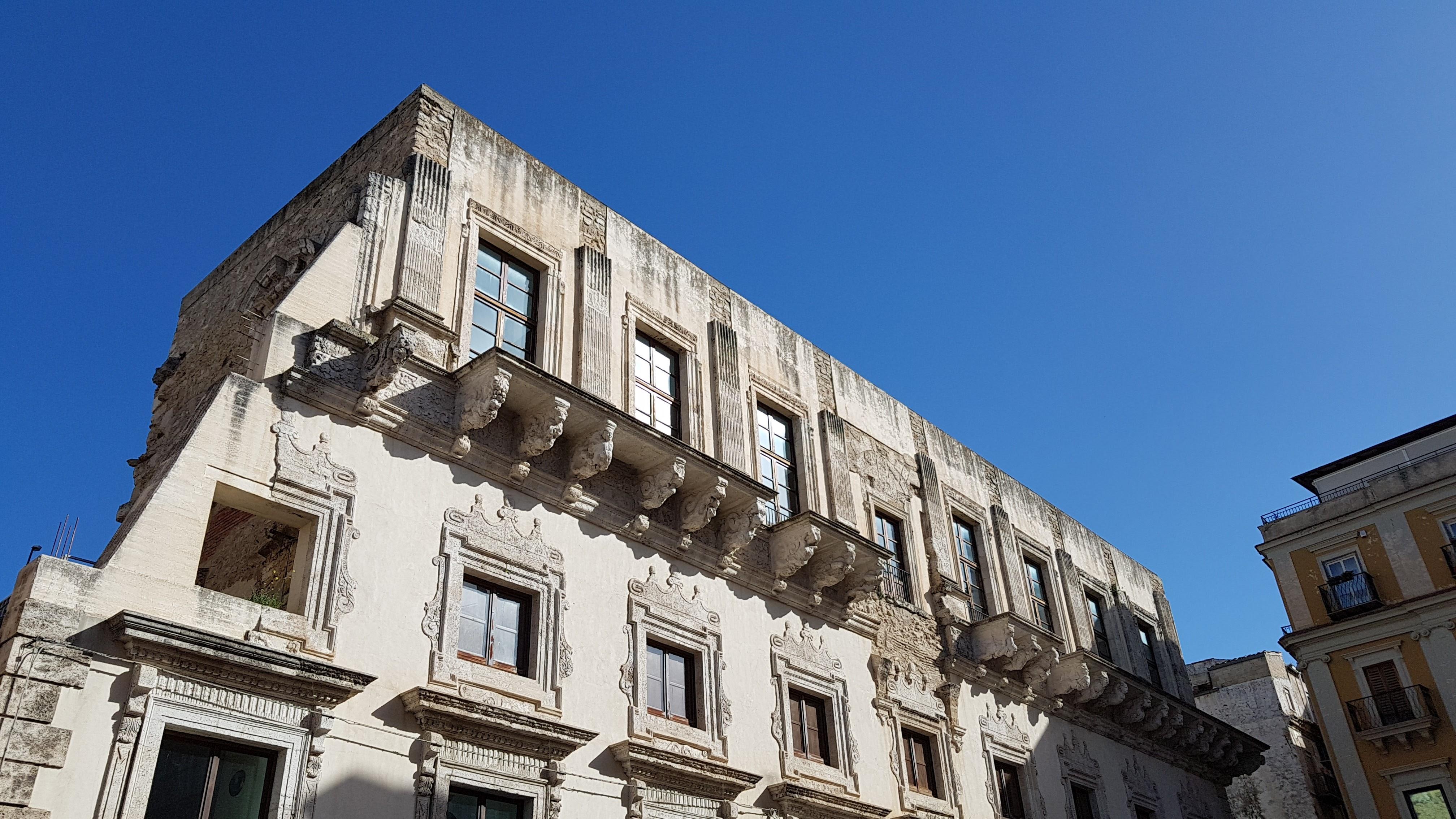 Bando per riqualificare i vecchi immobili confiscati alla mafia