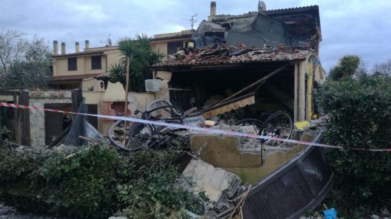 Montalto di Castro, esplosione in un appartamento: muore 25enne