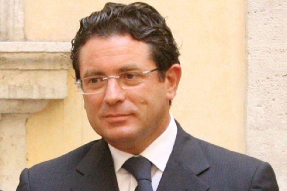 "Teste a Caltanissetta: ""Montante si inventò laurea honoris causa"""