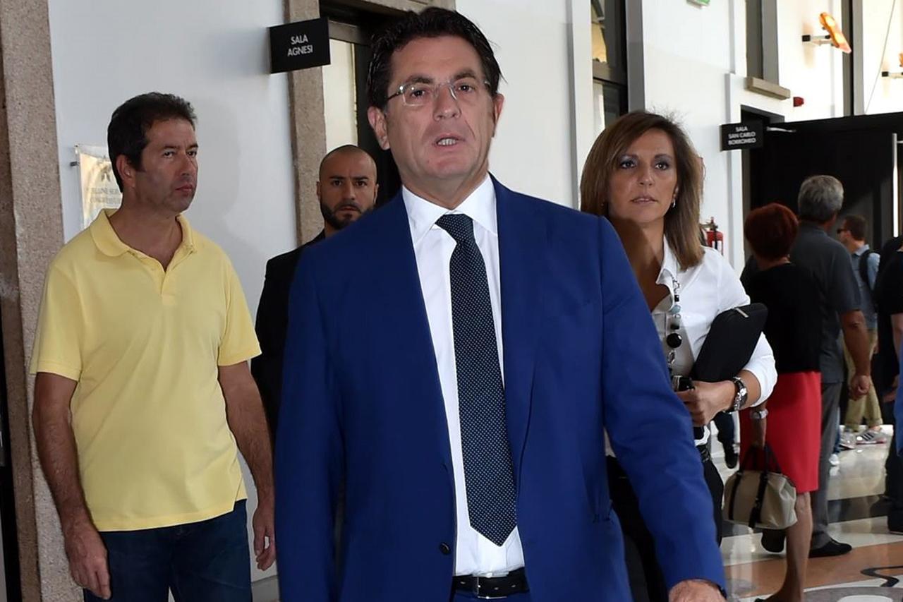 """Montante in carcere a Caltanissetta: gli """"intrusi"""" ed il mistero dell'Ipad"""