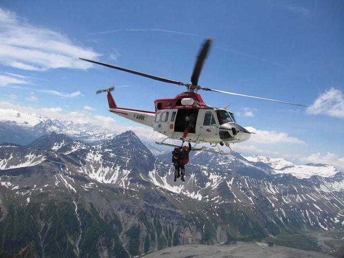 Alpinista italiano precipita sul versante francese del Monte Bianco