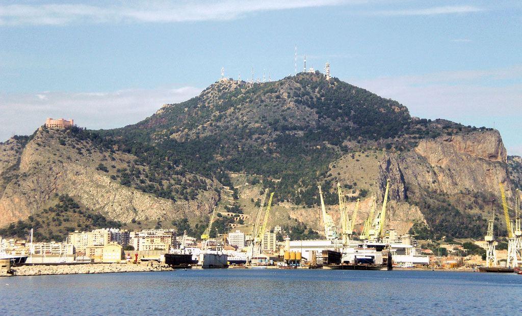 Frana il Monte Pellegrino a Palermo, 30 milioni per la messa in sicurezza