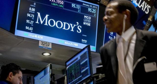 Moody's mantiene il giudizio negativo sulle banche italiane, pesano le sofferenze