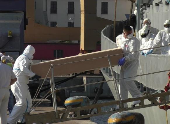 Migranti uccisi durante la traversata, 6 condanne e 8 assolti a Palermo