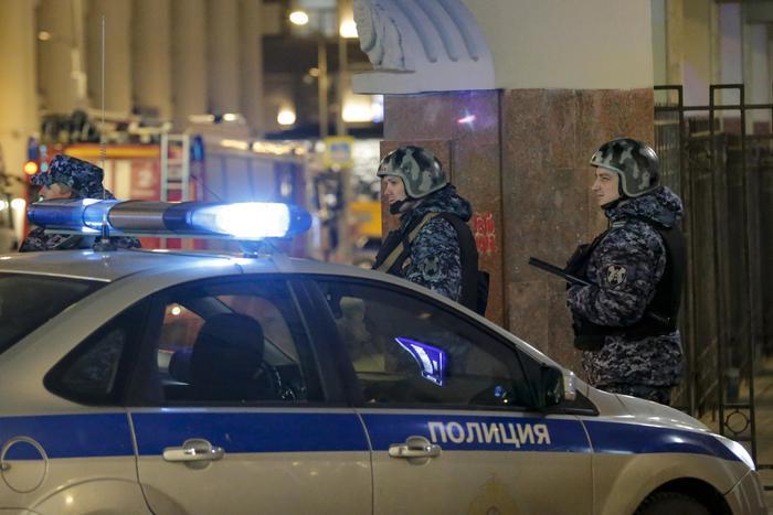 Mosca, sparatoria davanti al palazzo dei servizi segreti: morti e feriti